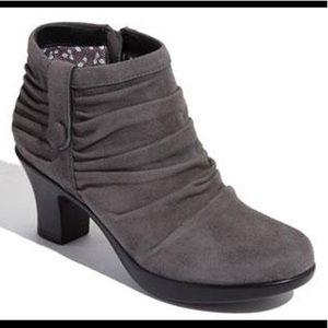 """Dansko """"Buffy"""" Sz 40 suede ankle boots Gray"""